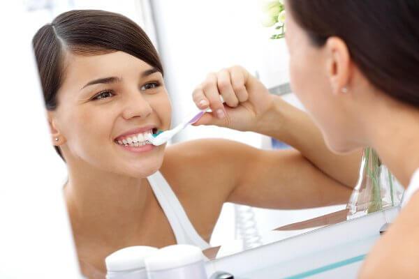 Naturalne sposoby wybielania zębów