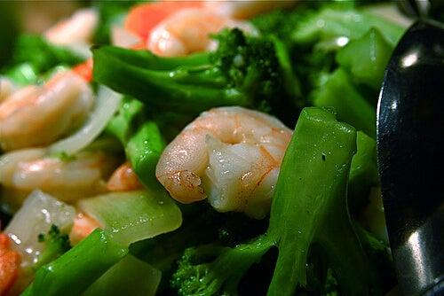 Krewetki i warzywa