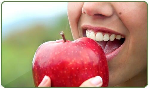 3#:cukrzyca-czerwone jabłko.jpg