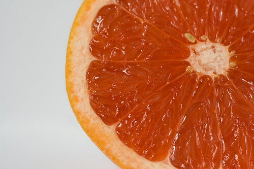 2#:grejpfrut-owoce.jpg