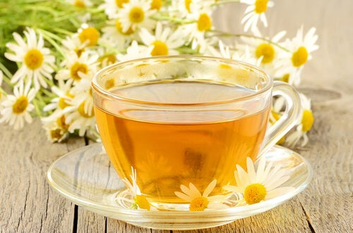 2#:herbata-z-rumianku-hemoroidy.jpg