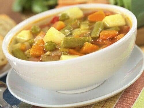 Przepisy na pyszne zupy z warzyw