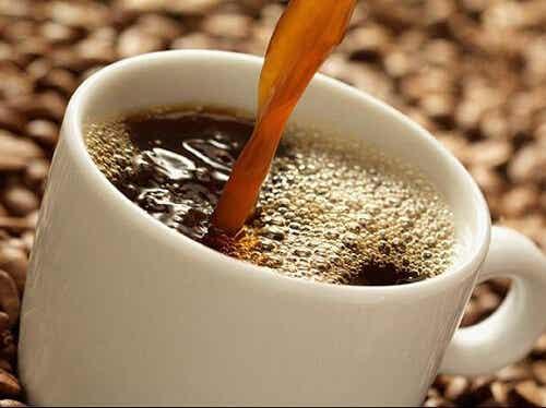 Jakimi właściwościami cechuje się kawa i dlaczego warto ją pić?