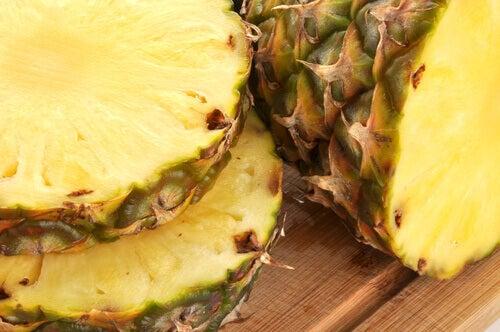Skórka z Ananasa: Pomysły na Pyszne i Zdrowe Napoje