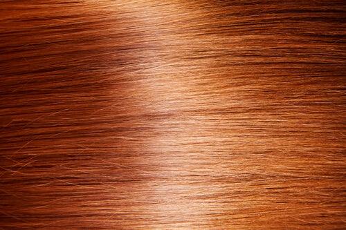 Zdrowe i lśniące włosy, jak to osiągnąć?
