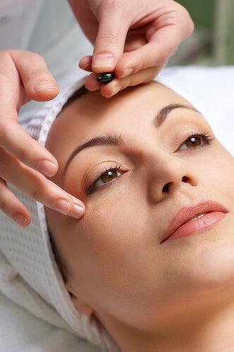 2#masaż-twarzy-kurzych-łapek.jpg