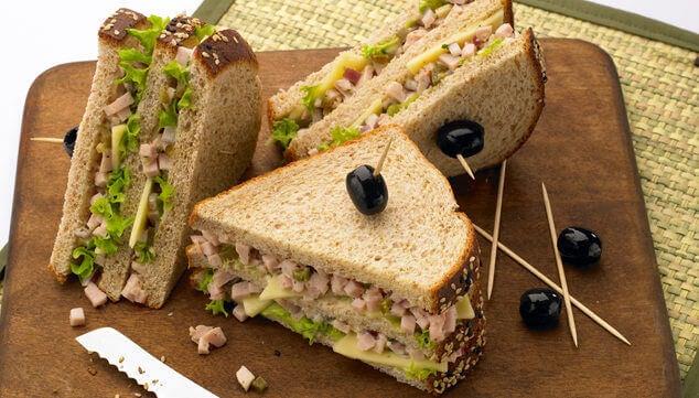 3#:kanapka-awokado-śniadanie.jpg