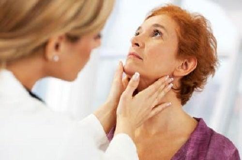 3#nadczynnosc-tarczycy-zaburzenia-hormonalne.jpg
