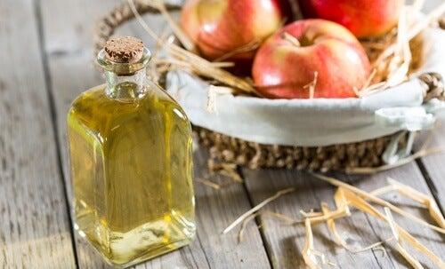 Ocet jabłkowy – właściwości i zastosowanie