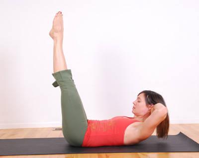2#:Podnoszenie nog-pilates.jpg