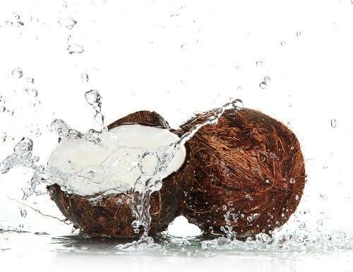 Woda kokosowa na spalanie tłuszczu