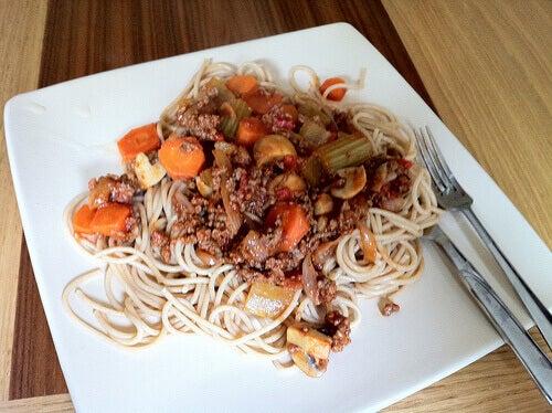5#:jedzenie-spaghetti.jpg