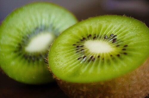 zielone napoje z kiwi