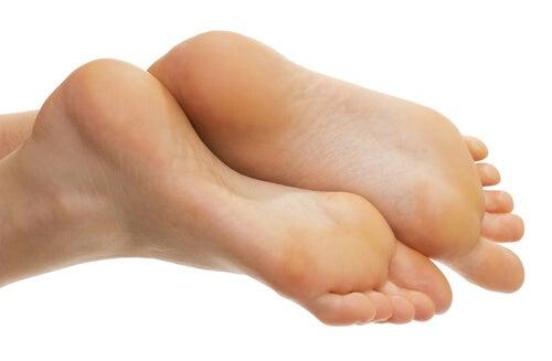 2#:Odciski na stopach.jpg