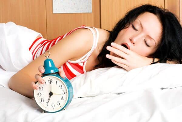 pobudka rano posmak w ustach