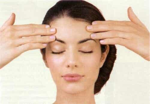 Ćwiczenia na ujędrnienie skóry twarzy i zmarszczki