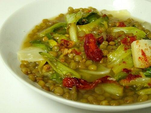 Zupa z soczewicy i kapusty