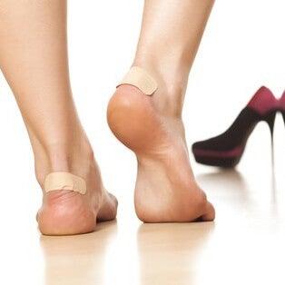 Plastry na stopach pomagają leczyć odciski
