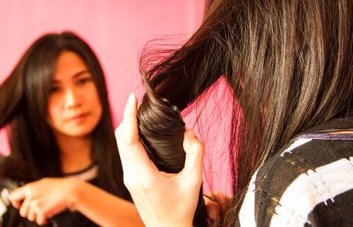 Prostowanie-włosów