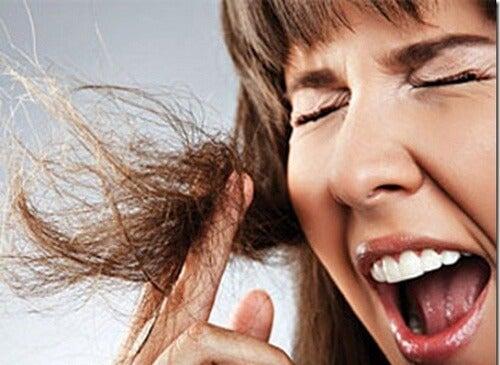 Włosy - guma do żucia