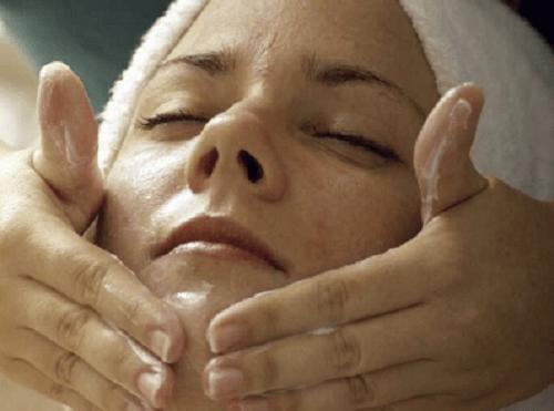 Jak dbać o skórę podczas menopauzy?
