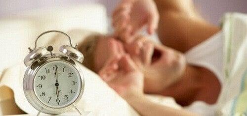 Dlaczego warto wcześnie wstawać?