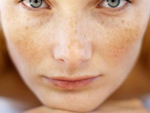 pietruszka na skórę twarzy