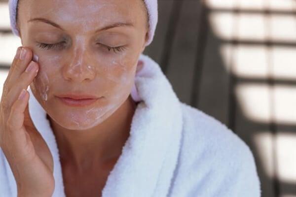 pietruszka i jej wpływ na twarz