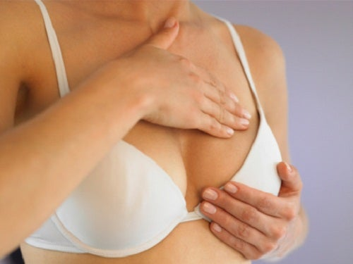 ból piersi skutkiem torbieli i ropnia