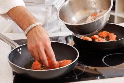 1#:Plastik-i-teflon-w-kuchni-dlaczego-ich-unikać.jpg
