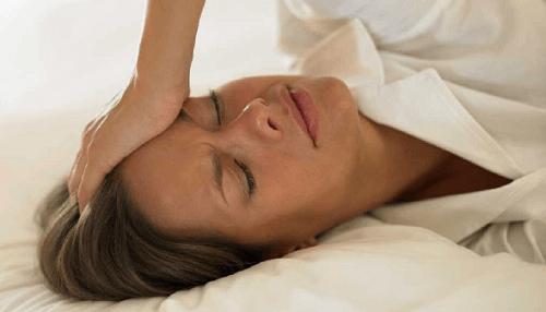 Menopauza: zwalcz jej symptomy naturalnymi metodami