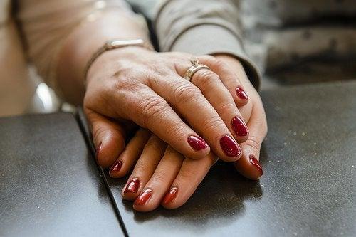 Piękne, zadbane paznokcie