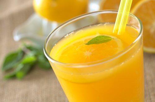 Woda o smaku pomarańczowym