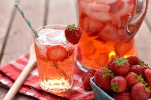 Woda truskawkowa