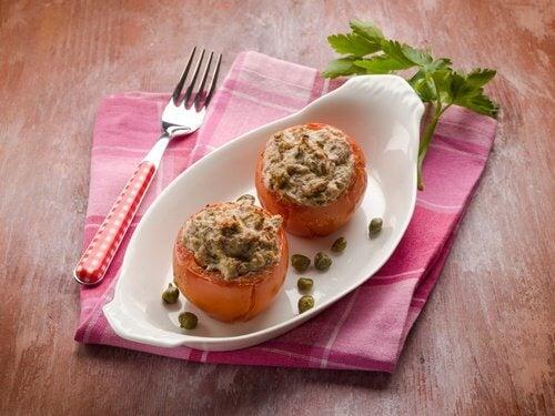 Nadziewany pomidor
