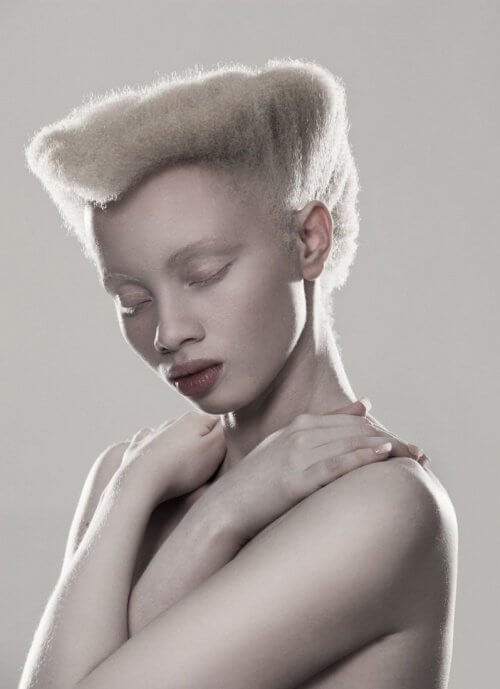 Modelka Thando Hopa
