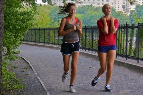 Kobiety uprawiające jogging