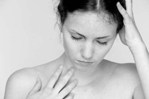 Ból głowy u kobiety