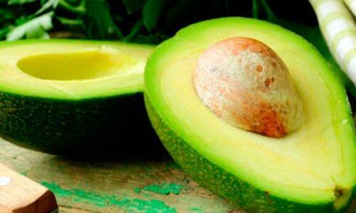 Świeże awokado - zdrowy tłuszcz