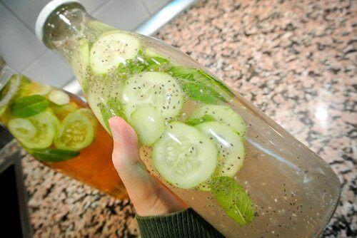 Lemoniada z ogórka imbiru i cytryny