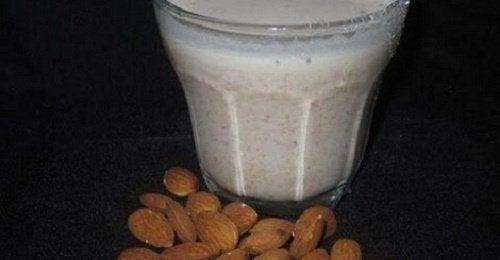 Mleko migdałowe – zalety i właściwości