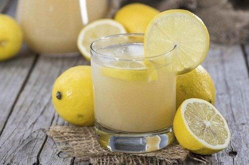Naturalny sok z cytryny