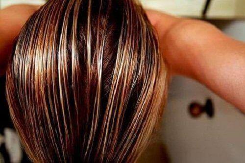 Wilgotne włosy