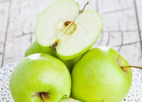 Świeże zielone jabłko