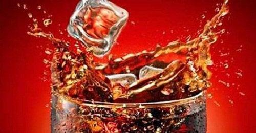 Coca Cola – jak wpływa na nasz organizm?