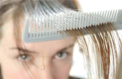 Wypadają Ci włosy? naturalne sposoby