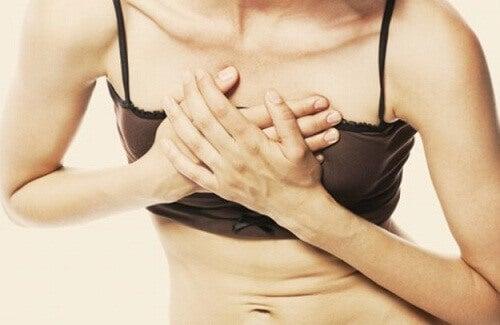 Przeszywający ból w klatce piersiowej