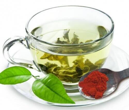 Zielona herbata z cayenne