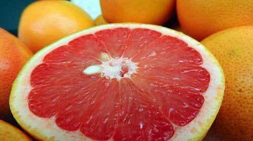 Najlepsze owoce na spalanie tłuszczu!