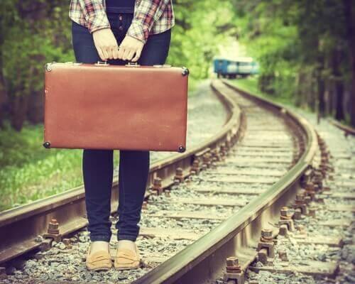 Kobieta z walizką